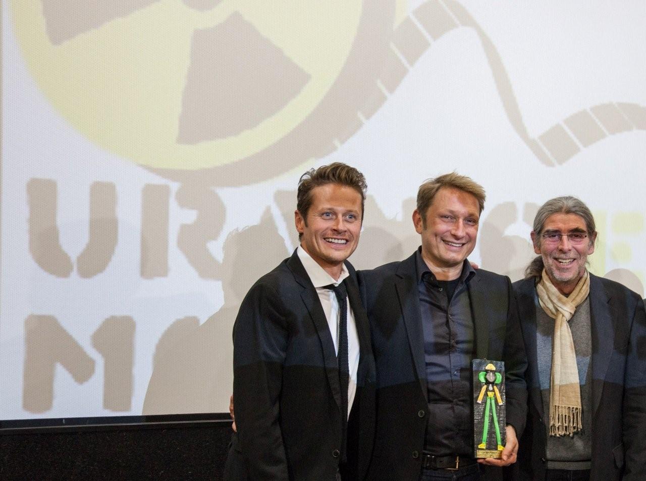 Award an Marcus Schwenzel - Uranium Film Festival Berlin 2015