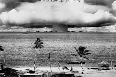 Bomba Atomica / Filme Nuclear Savage